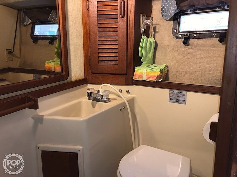 1987 Tiara Yachts boat for sale, model of the boat is 3100 & Image # 14 of 40