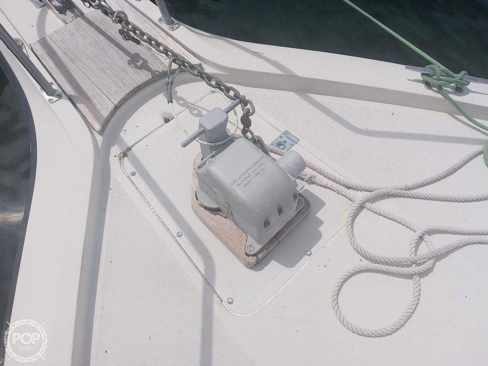 1987 Tiara Yachts boat for sale, model of the boat is 3100 & Image # 24 of 40