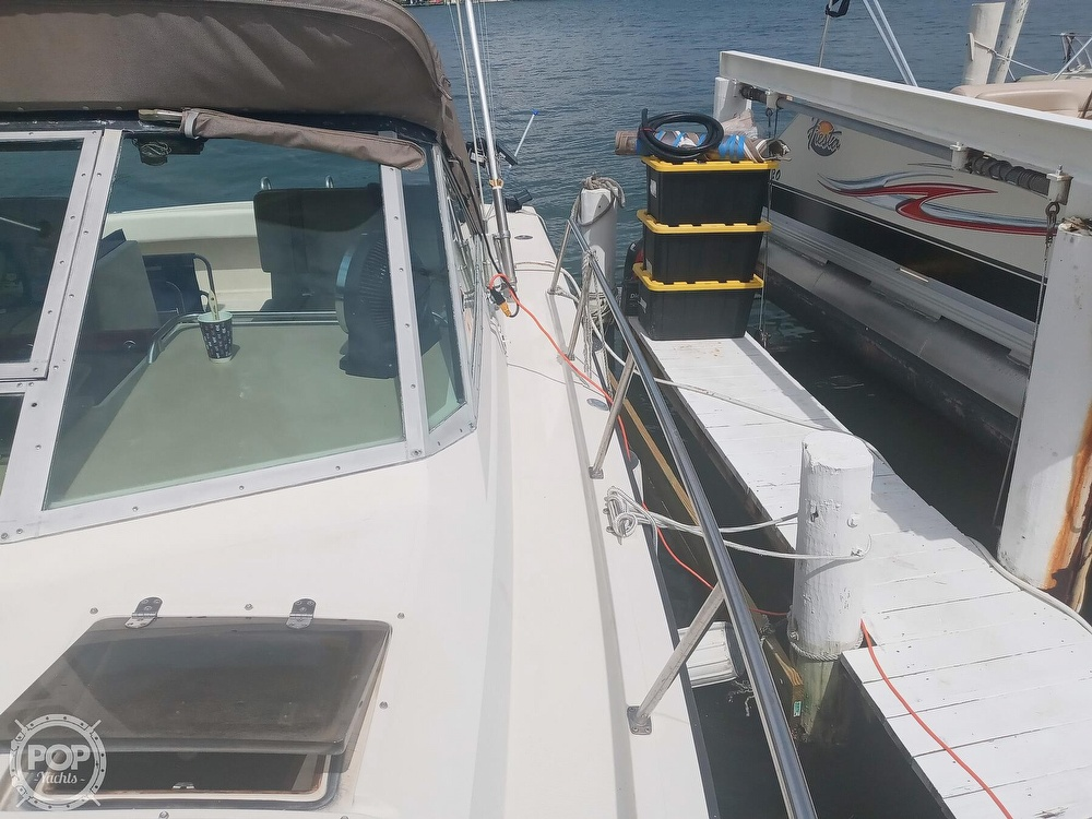 1987 Tiara Yachts boat for sale, model of the boat is 3100 & Image # 33 of 40