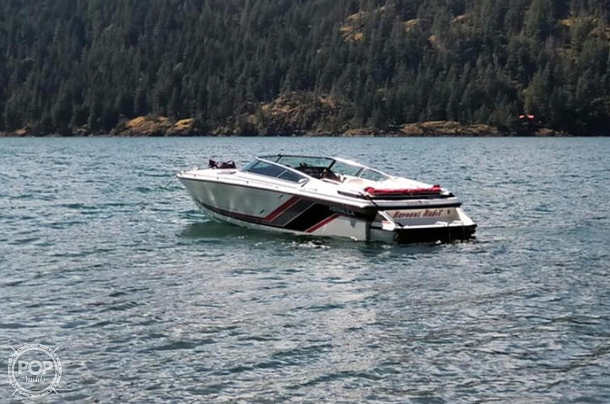 1990 Formula boat for sale, model of the boat is 242 Ls & Image # 2 of 8