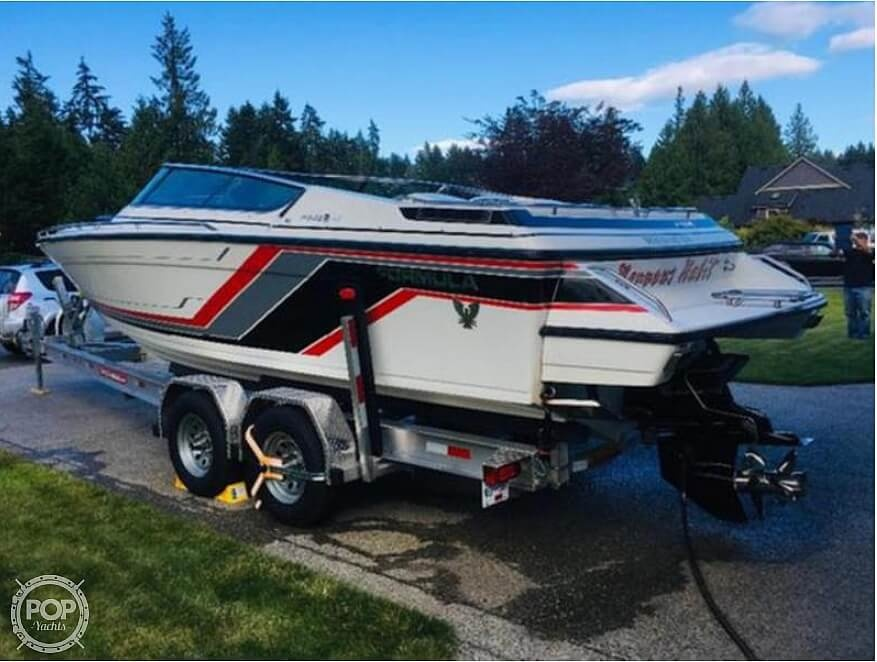 1990 Formula boat for sale, model of the boat is 242 Ls & Image # 4 of 8
