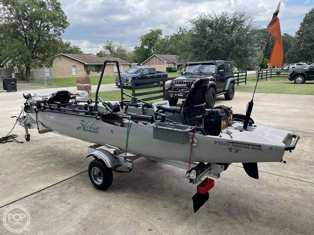 2019 Hobie boat for sale, model of the boat is Mirage Pro Angler 17T Tandem & Image # 12 of 41