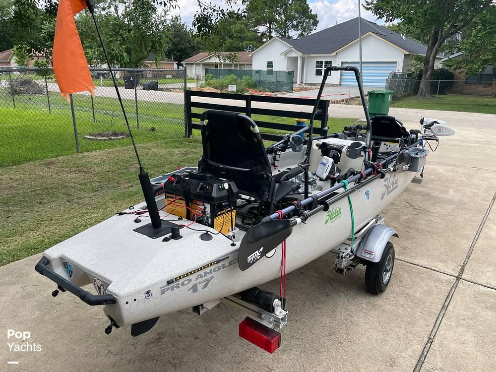 2019 Hobie boat for sale, model of the boat is Mirage Pro Angler 17T Tandem & Image # 13 of 41