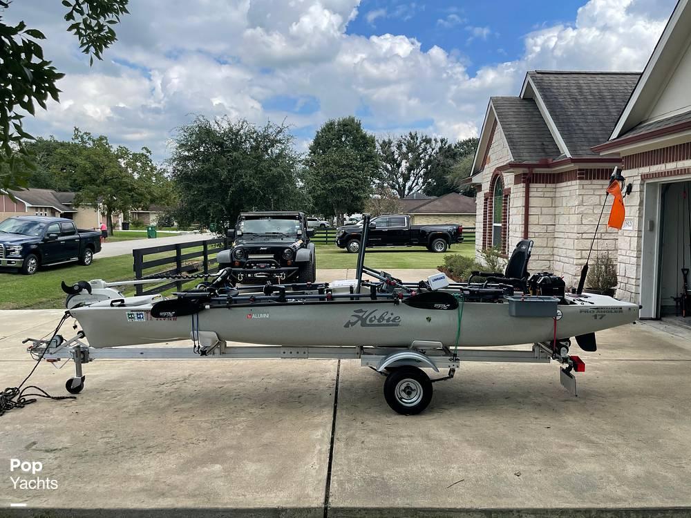 2019 Hobie boat for sale, model of the boat is Mirage Pro Angler 17T Tandem & Image # 19 of 41