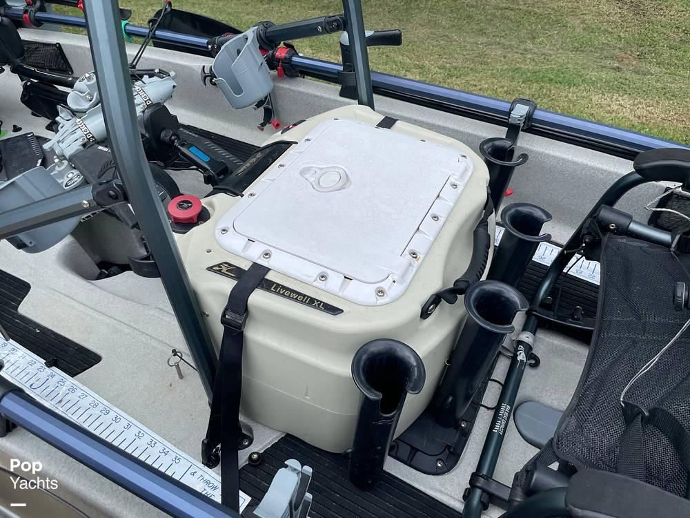 2019 Hobie boat for sale, model of the boat is Mirage Pro Angler 17T Tandem & Image # 38 of 41