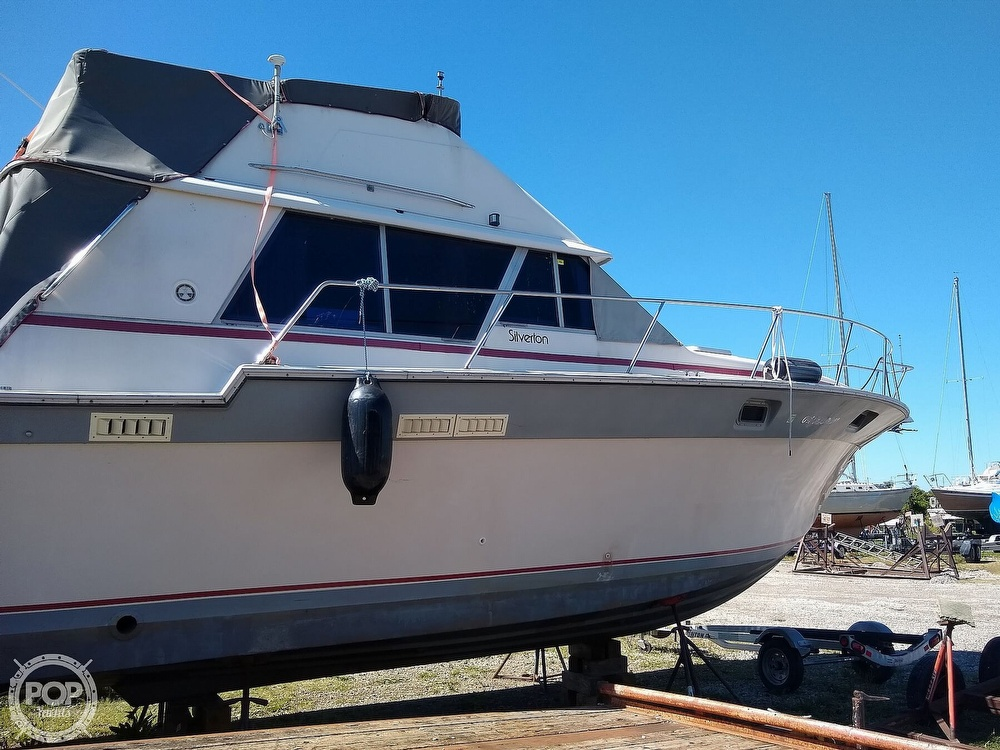 1986 Silverton boat for sale, model of the boat is 34 Convertible & Image # 3 of 40