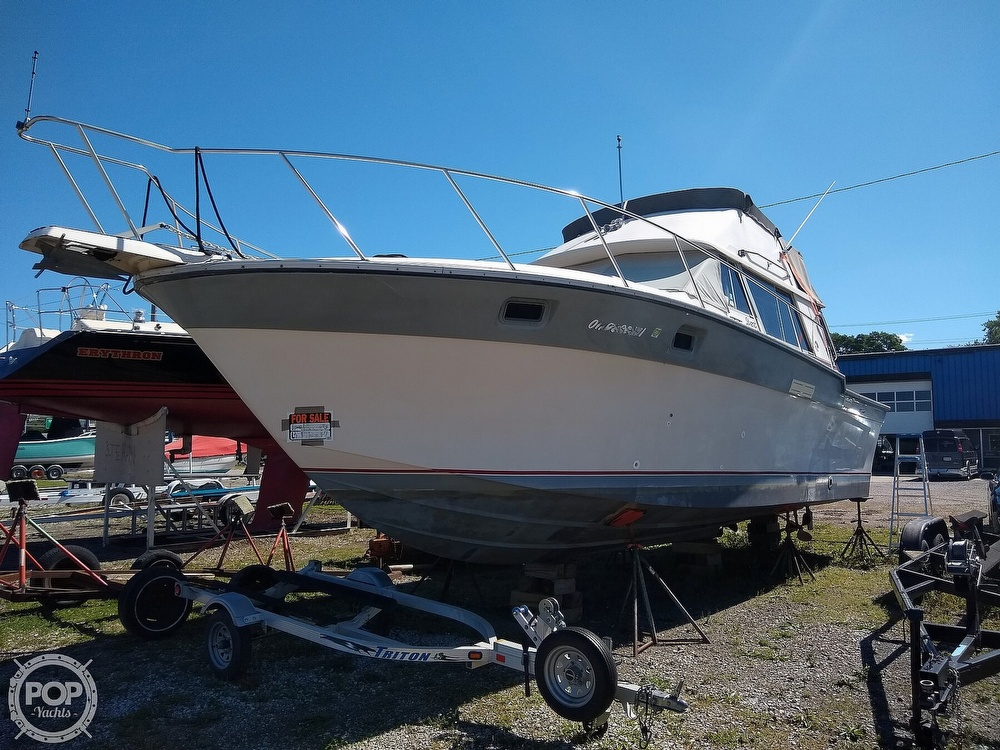 1986 Silverton boat for sale, model of the boat is 34 Convertible & Image # 17 of 40