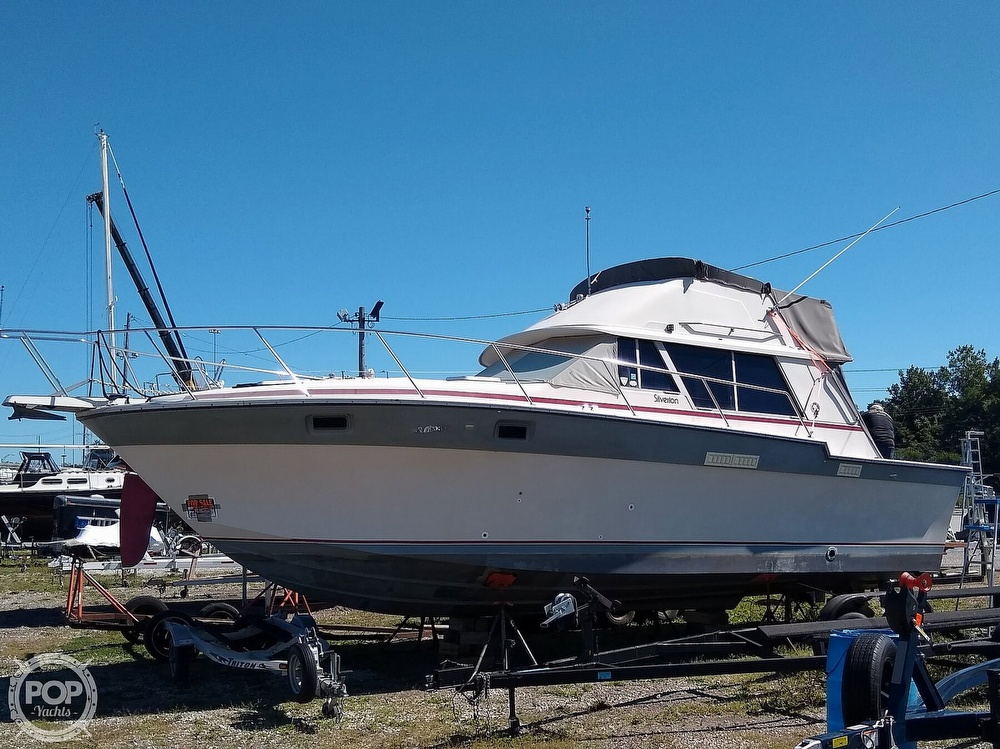 1986 Silverton boat for sale, model of the boat is 34 Convertible & Image # 13 of 40