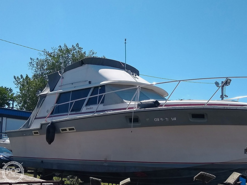 1986 Silverton boat for sale, model of the boat is 34 Convertible & Image # 14 of 40