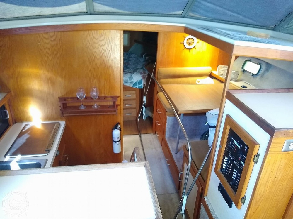 1986 Silverton boat for sale, model of the boat is 34 Convertible & Image # 8 of 40