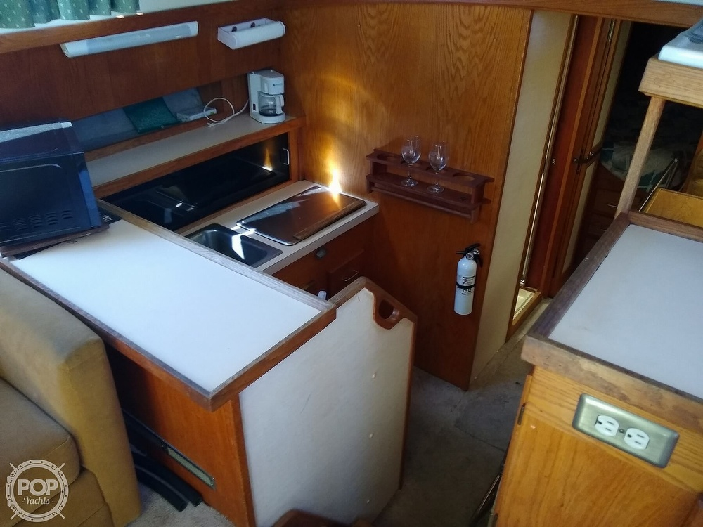 1986 Silverton boat for sale, model of the boat is 34 Convertible & Image # 9 of 40