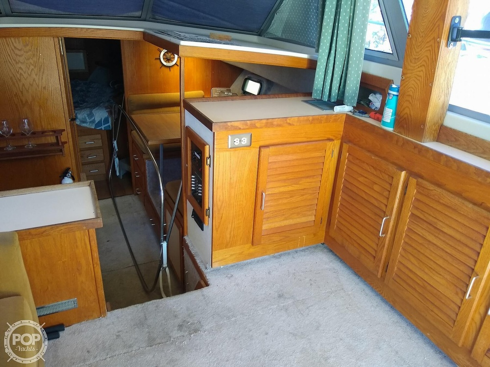 1986 Silverton boat for sale, model of the boat is 34 Convertible & Image # 7 of 40