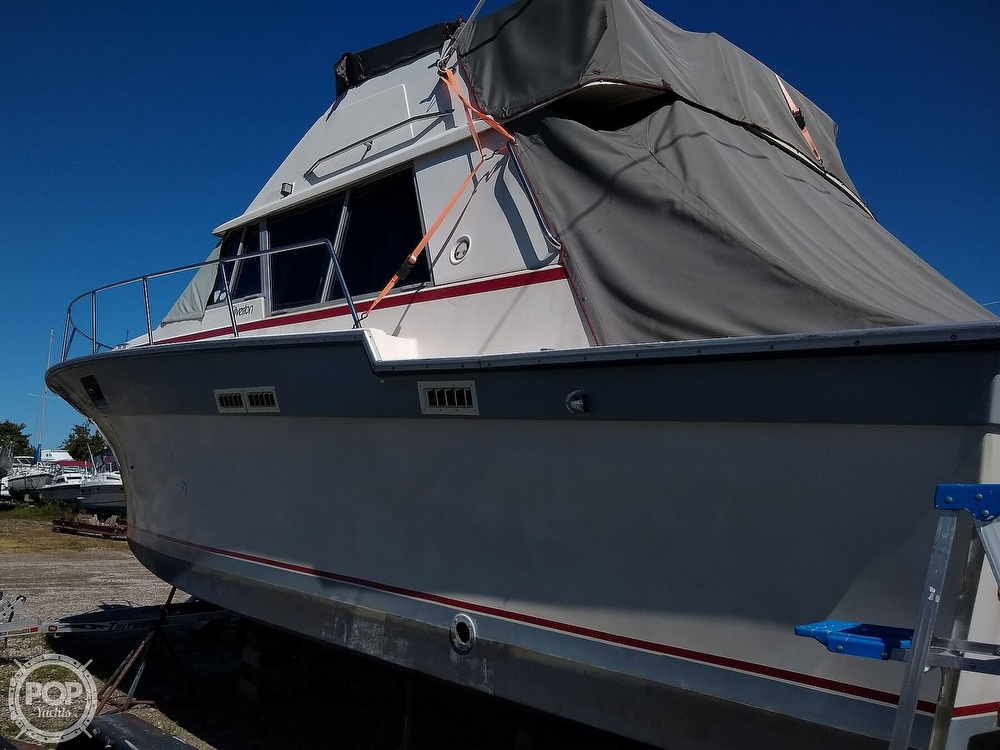 1986 Silverton boat for sale, model of the boat is 34 Convertible & Image # 4 of 40