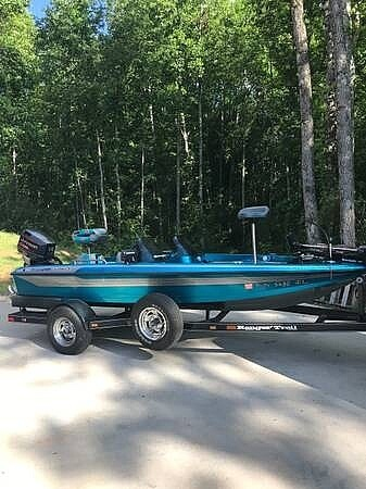 1996 Ranger Boats boat for sale, model of the boat is Sport R72 & Image # 2 of 8