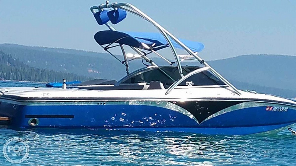 2005 Centurion boat for sale, model of the boat is Avalanche & Image # 2 of 6