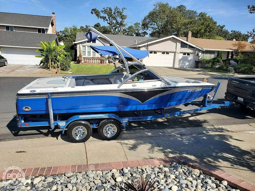2005 Centurion boat for sale, model of the boat is Avalanche & Image # 3 of 6