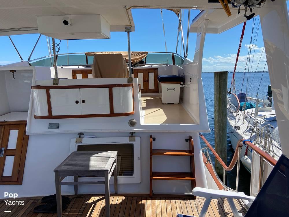 1986 Marine Trader boat for sale, model of the boat is Sundeck & Image # 30 of 40