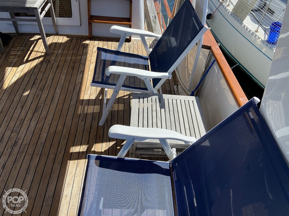 1986 Marine Trader boat for sale, model of the boat is Sundeck & Image # 31 of 40