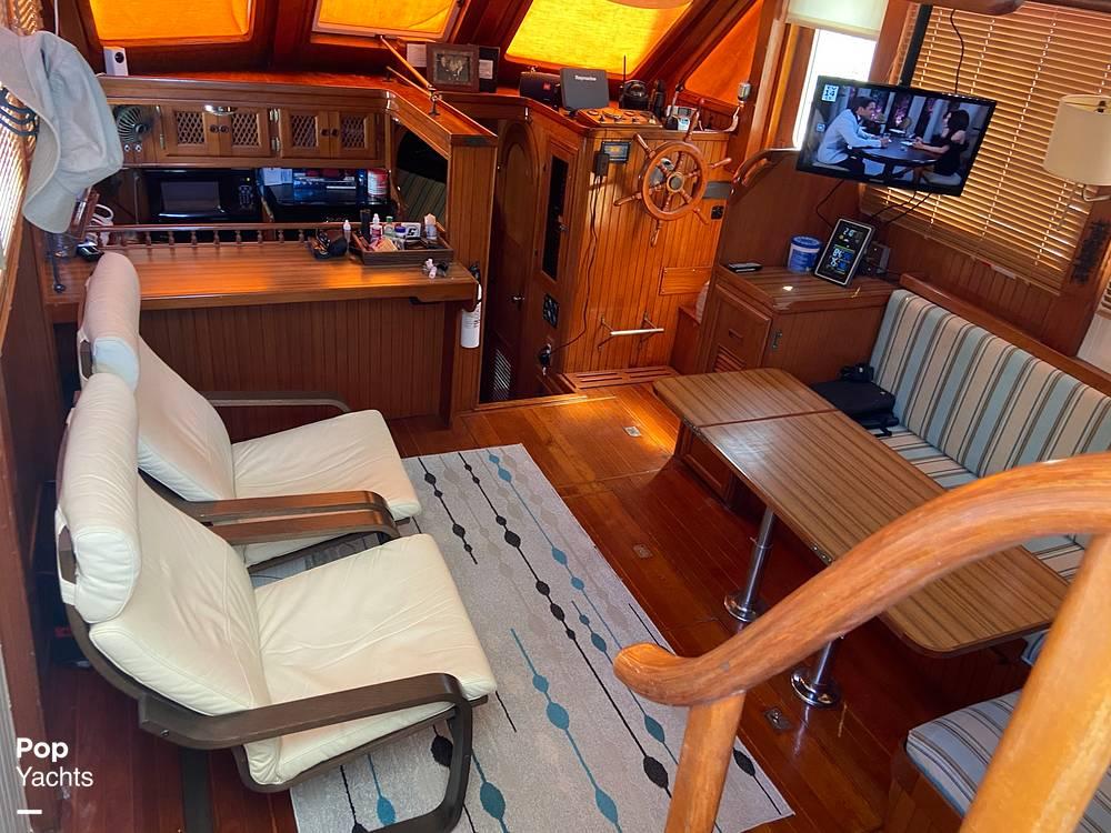 1986 Marine Trader boat for sale, model of the boat is Sundeck & Image # 34 of 40