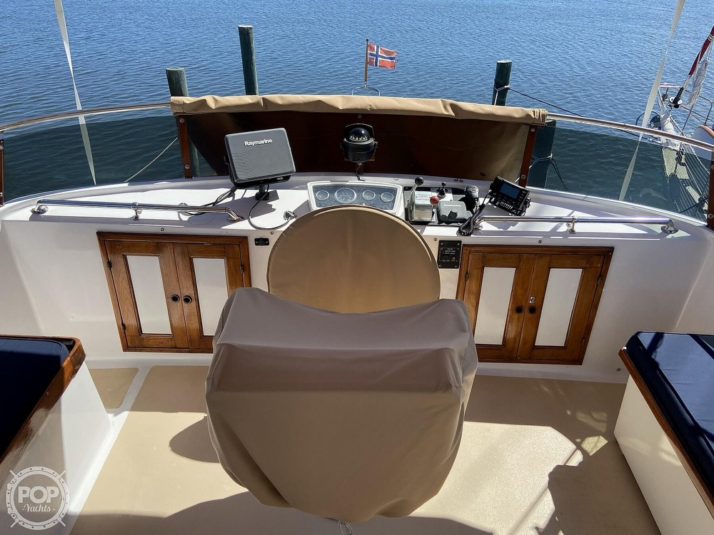 1986 Marine Trader boat for sale, model of the boat is Sundeck & Image # 10 of 40