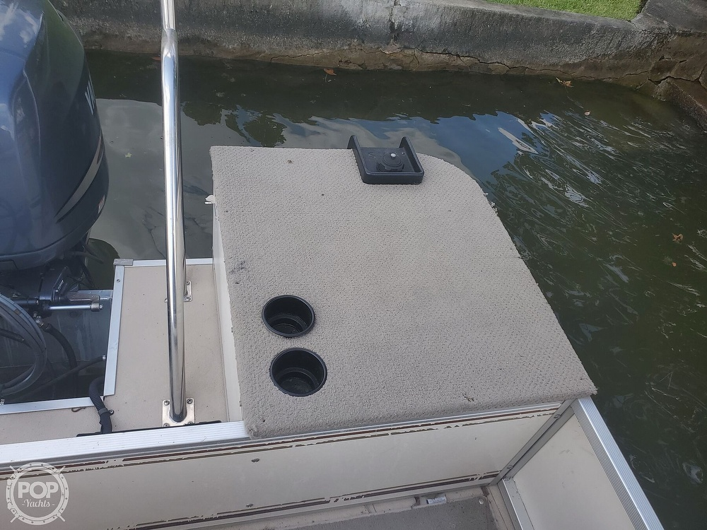 2008 SunCatcher boat for sale, model of the boat is LX3 22 Fish & cruise & Image # 39 of 40
