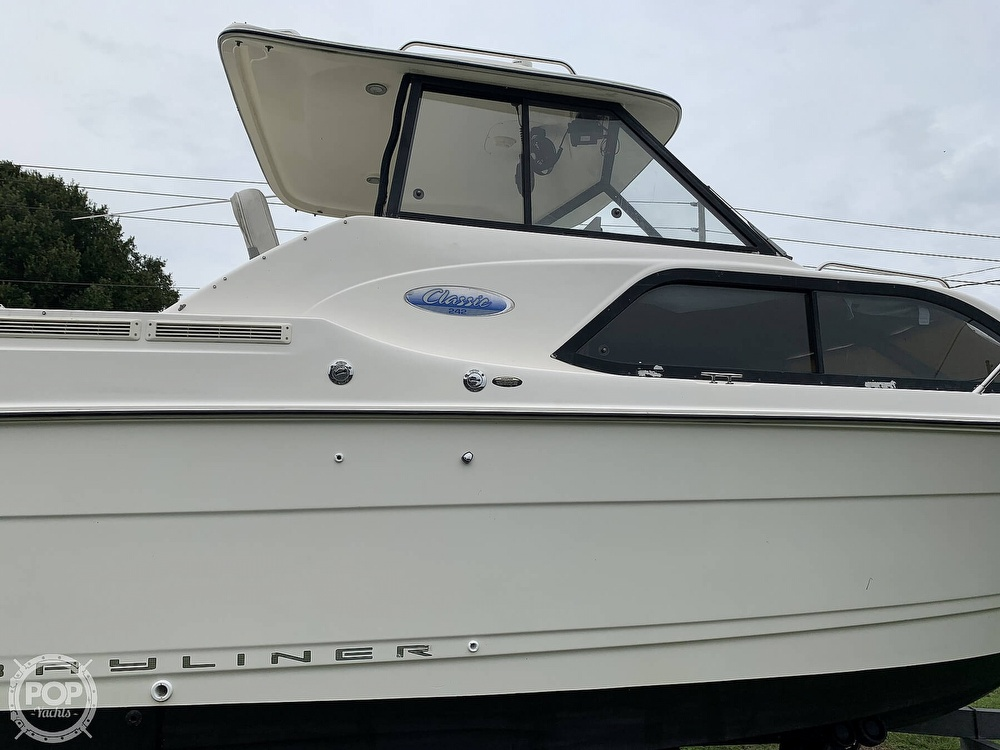 2005 Bayliner boat for sale, model of the boat is 242 Classic & Image # 21 of 40