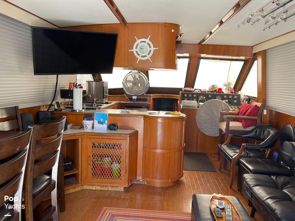 1988 Hi Star boat for sale, model of the boat is 48 Sundeck & Image # 27 of 40