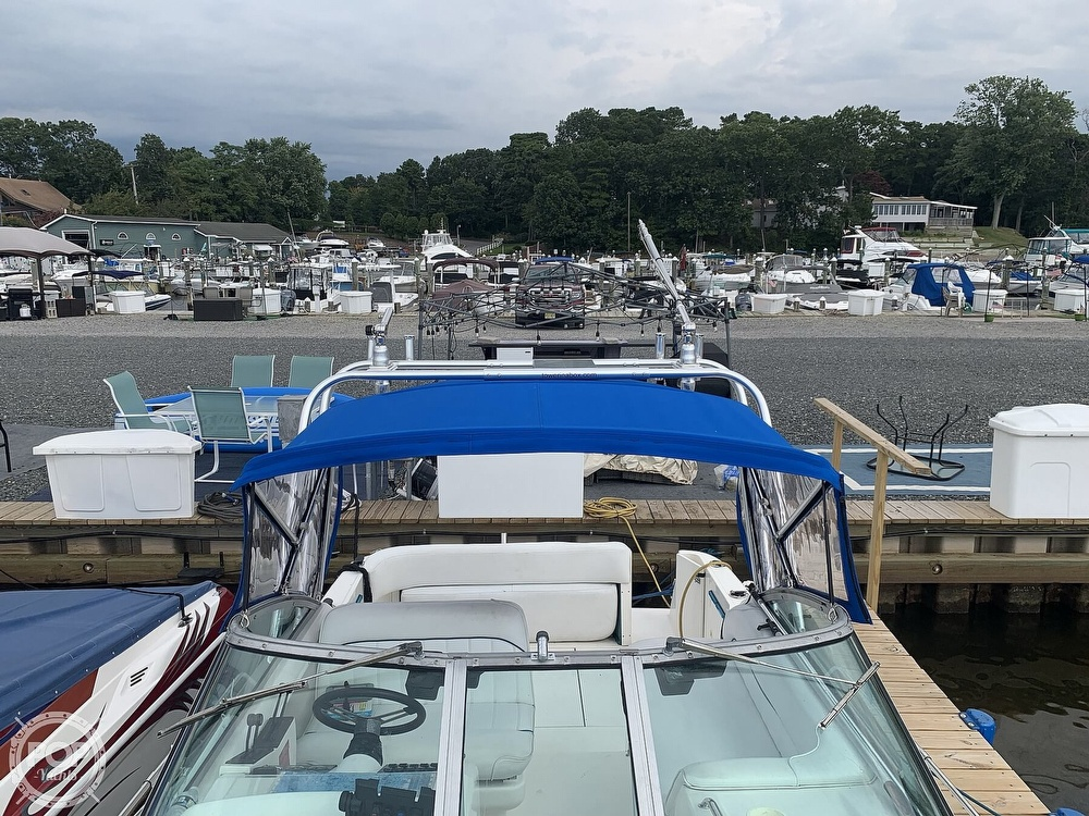 1996 Sea Ray boat for sale, model of the boat is 270 Sundancer & Image # 36 of 40