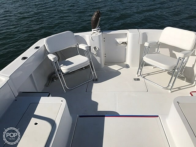 2000 Mainship boat for sale, model of the boat is Pilot 30 & Image # 5 of 22