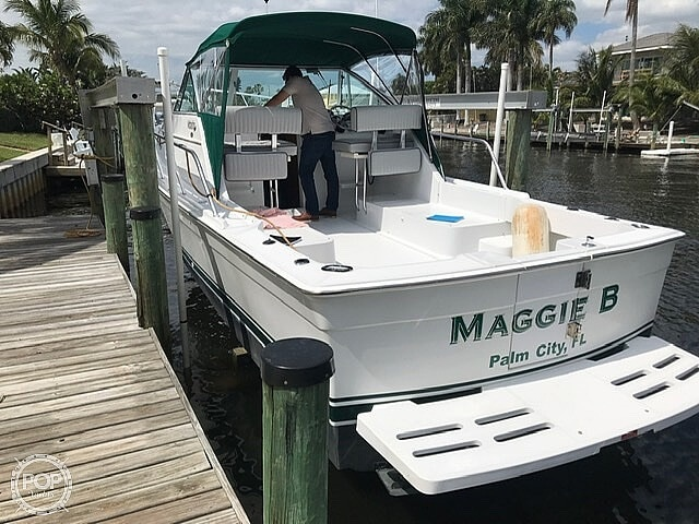 2000 Mainship boat for sale, model of the boat is Pilot 30 & Image # 6 of 22