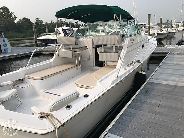 2000 Mainship boat for sale, model of the boat is Pilot 30 & Image # 10 of 22