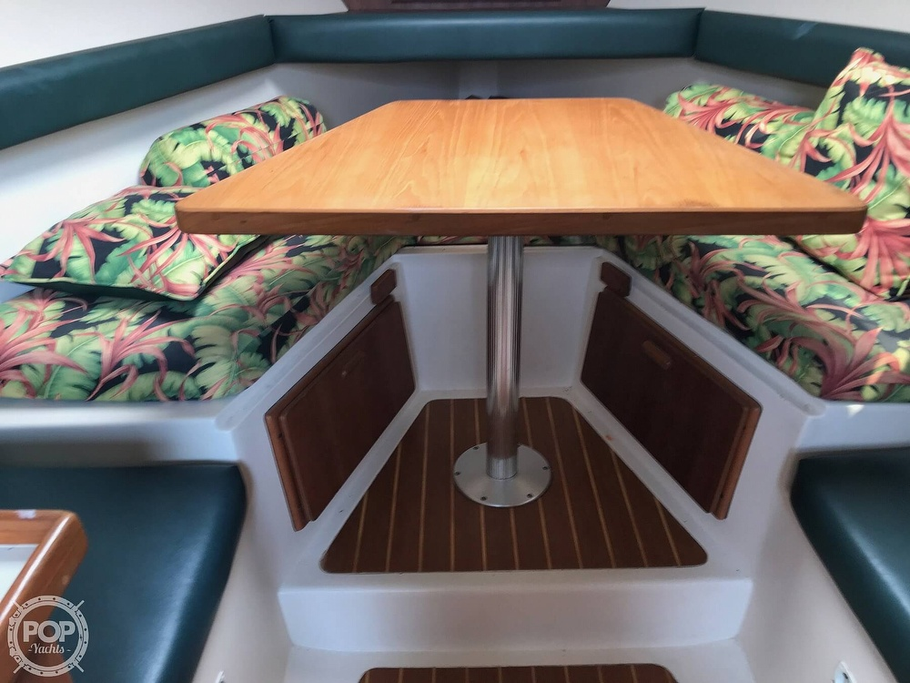 2000 Mainship boat for sale, model of the boat is Pilot 30 & Image # 14 of 22