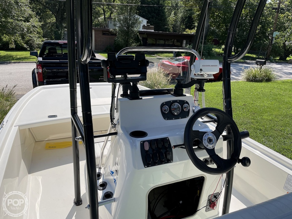 2017 Mako boat for sale, model of the boat is Pro Skiff 19 & Image # 6 of 40