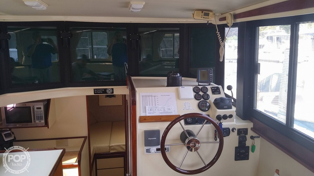 2004 Camano boat for sale, model of the boat is 31 Troll & Image # 4 of 40