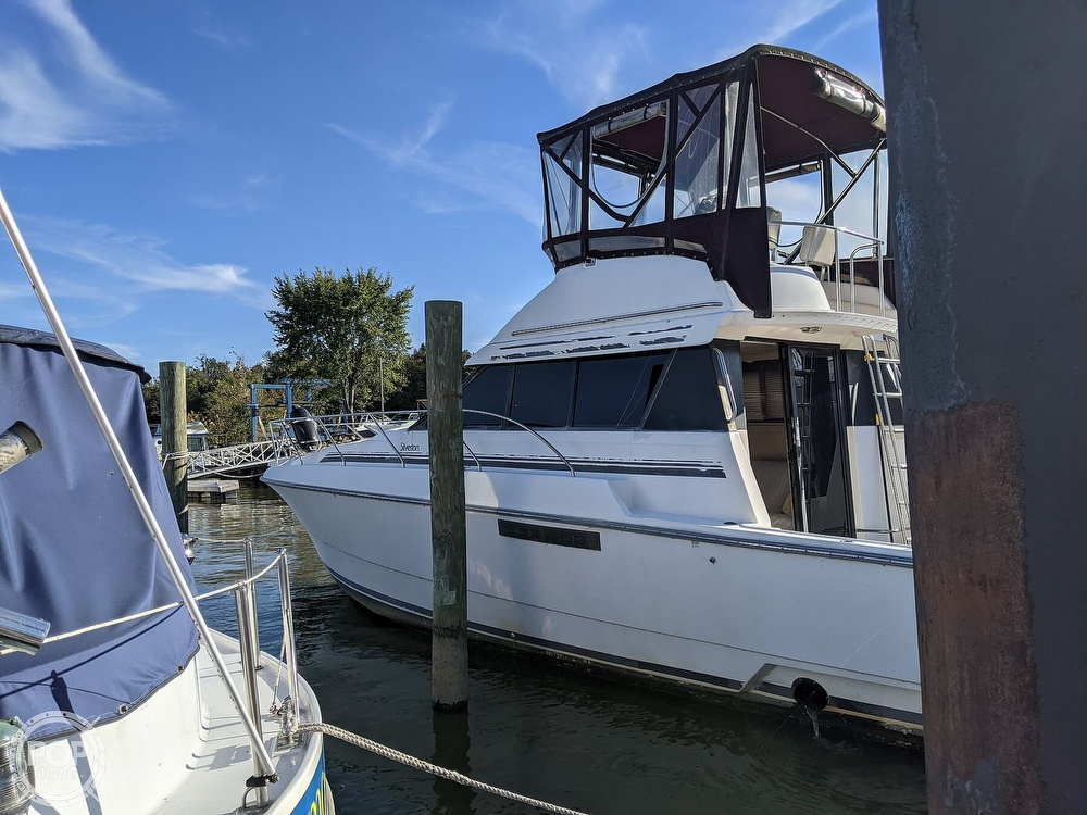 1991 Silverton boat for sale, model of the boat is 34C & Image # 6 of 40