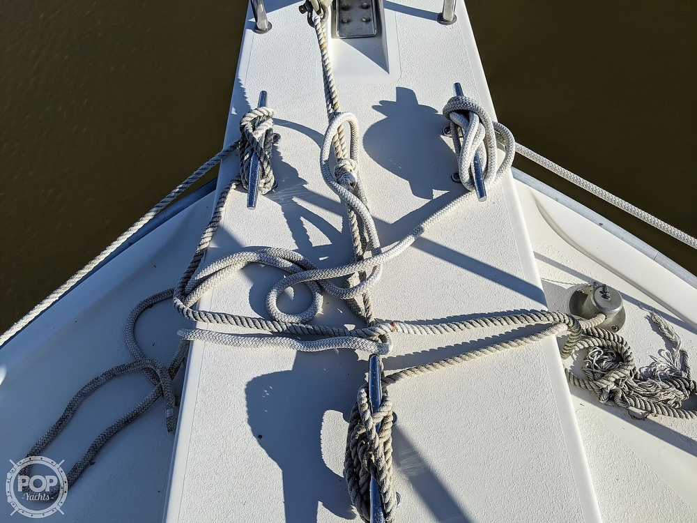 1991 Silverton boat for sale, model of the boat is 34C & Image # 24 of 40
