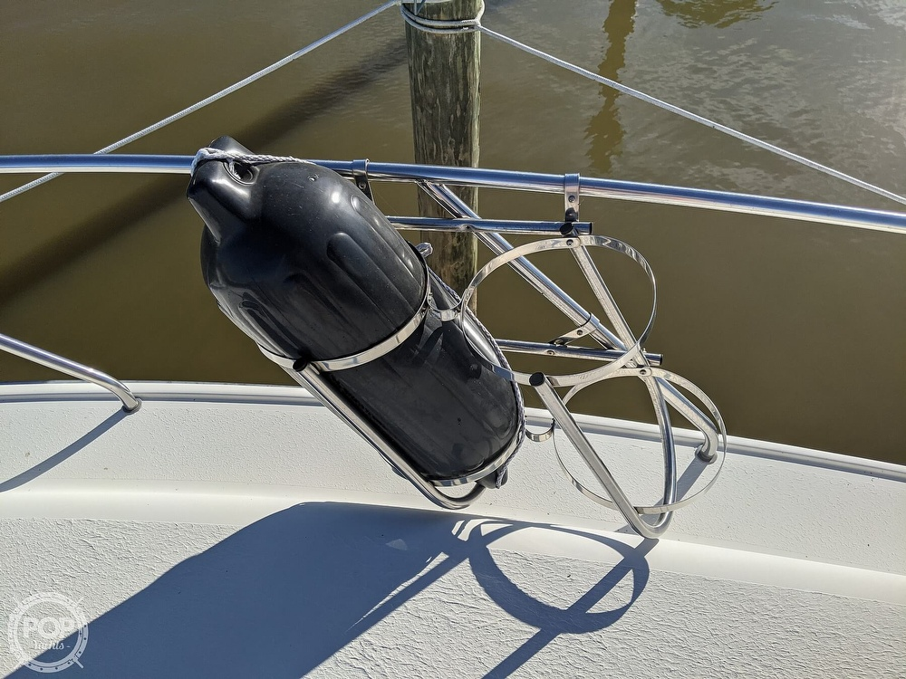 1991 Silverton boat for sale, model of the boat is 34C & Image # 26 of 40