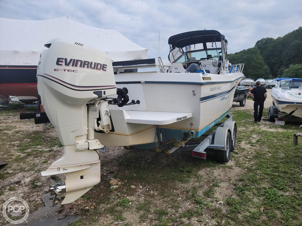 1982 Grady-White boat for sale, model of the boat is 24 Caribbean Walkaround Cuddy & Image # 8 of 40