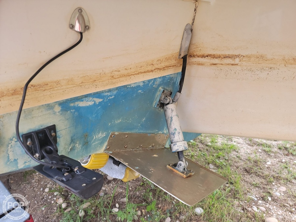 1982 Grady-White boat for sale, model of the boat is 24 Caribbean Walkaround Cuddy & Image # 18 of 40