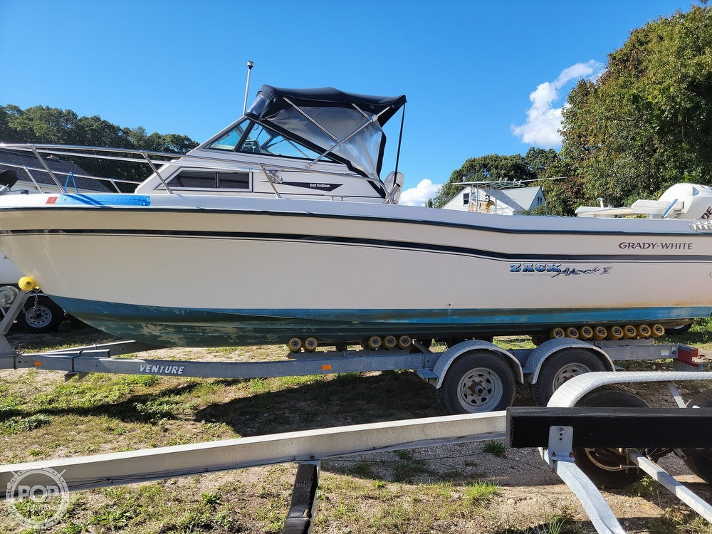 1982 Grady-White boat for sale, model of the boat is 24 Caribbean Walkaround Cuddy & Image # 3 of 40
