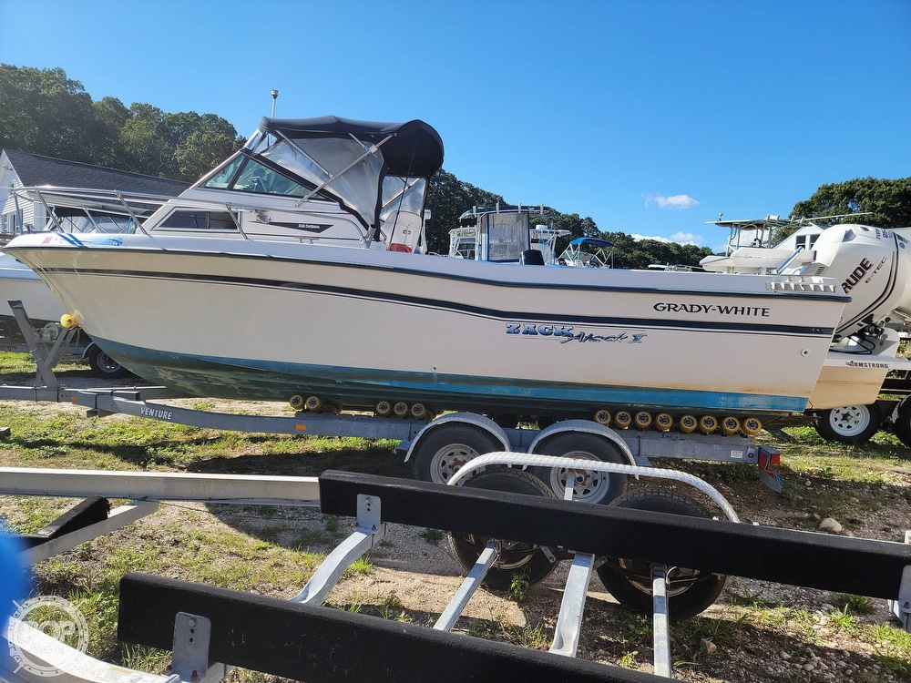 1982 Grady-White boat for sale, model of the boat is 24 Caribbean Walkaround Cuddy & Image # 4 of 40