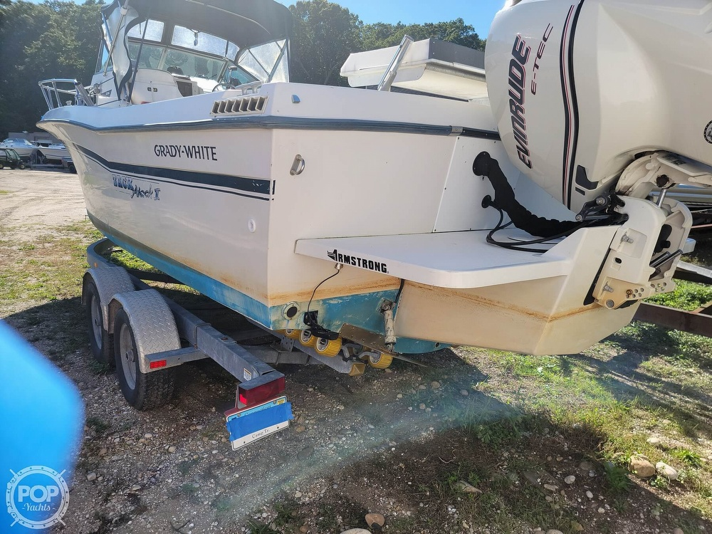1982 Grady-White boat for sale, model of the boat is 24 Caribbean Walkaround Cuddy & Image # 7 of 40