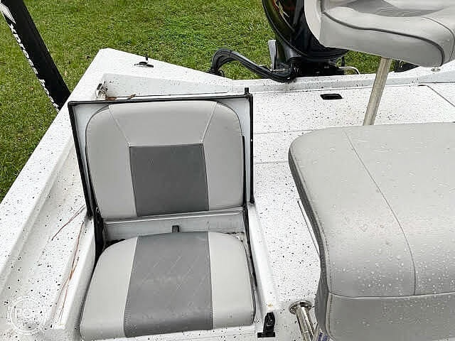 2021 Xpress boat for sale, model of the boat is H20 Bay & Image # 10 of 15