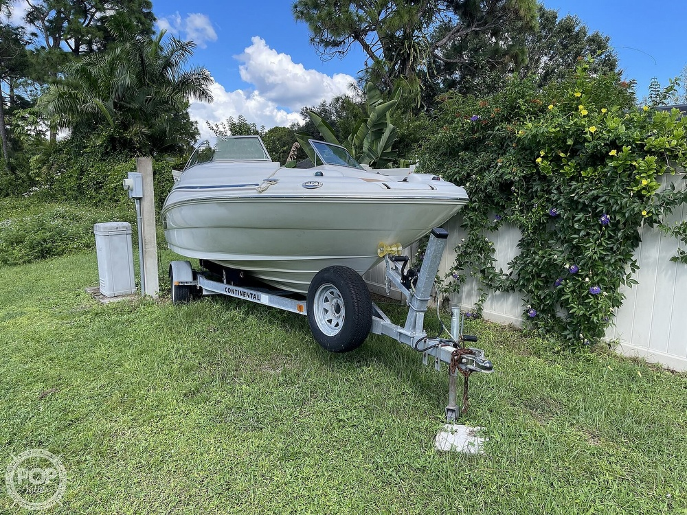 2001 Sea Ray boat for sale, model of the boat is sundeck 190 & Image # 2 of 40