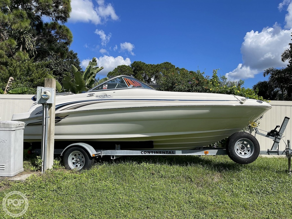 2001 Sea Ray boat for sale, model of the boat is sundeck 190 & Image # 4 of 40