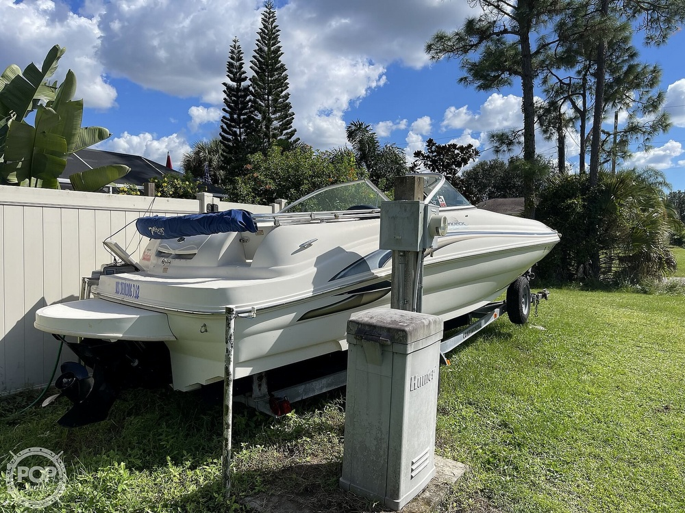 2001 Sea Ray boat for sale, model of the boat is sundeck 190 & Image # 3 of 40