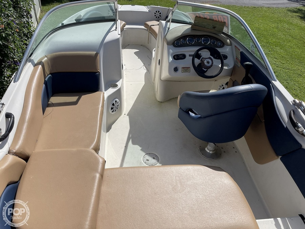 2001 Sea Ray boat for sale, model of the boat is sundeck 190 & Image # 10 of 40