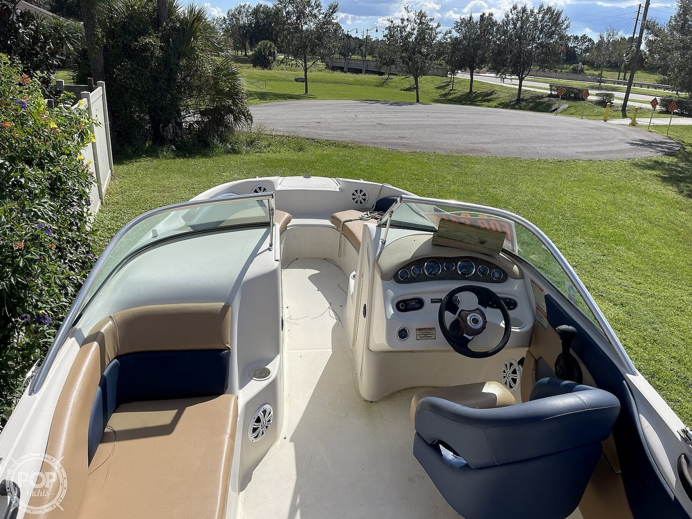 2001 Sea Ray boat for sale, model of the boat is sundeck 190 & Image # 9 of 40
