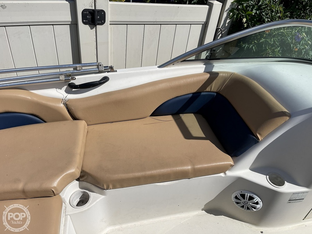 2001 Sea Ray boat for sale, model of the boat is sundeck 190 & Image # 11 of 40
