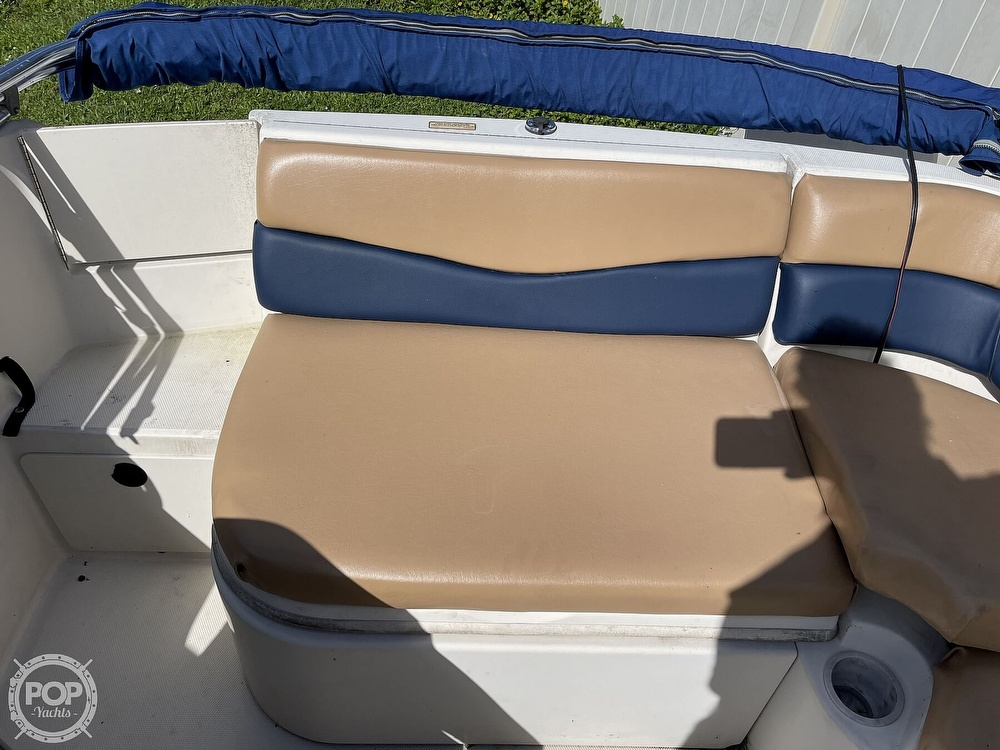 2001 Sea Ray boat for sale, model of the boat is sundeck 190 & Image # 12 of 40